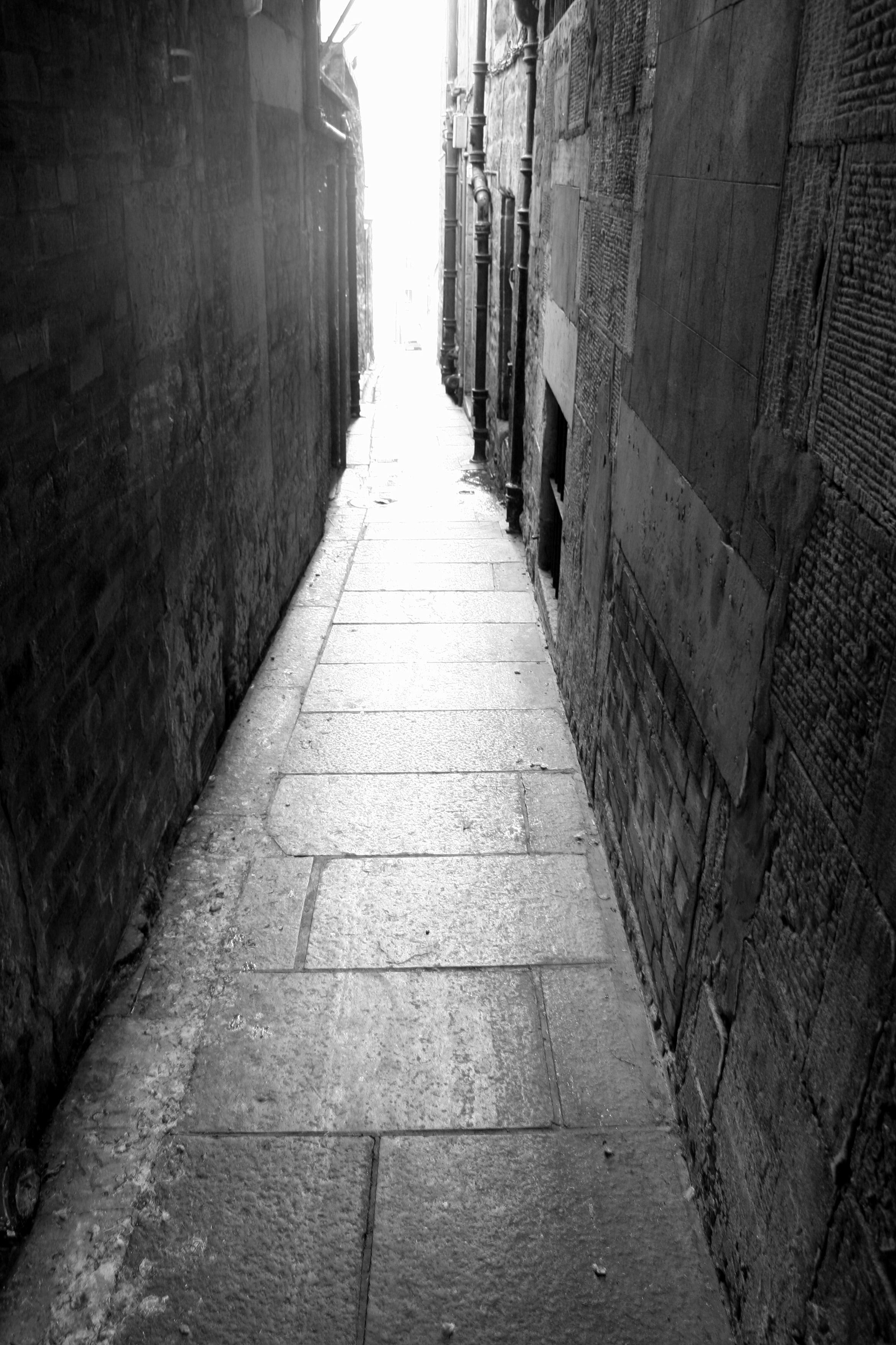 Narrowpath